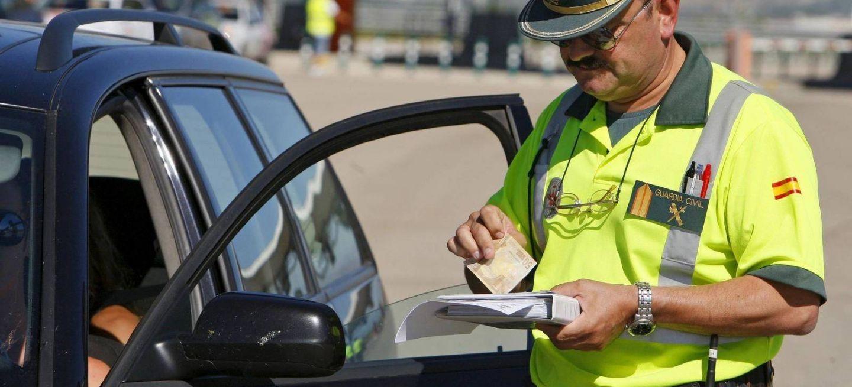 Carne Conducir Multa Guardia Civil