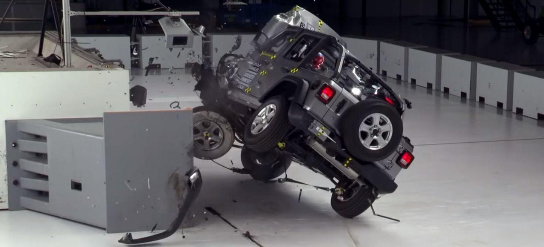 Crash Test Jeep Wrangler