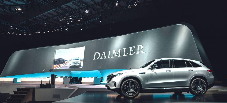 Daimler Im Wandel: Fokus Auf Nachhaltigkeit, Effizienz Und Mobilität Der Zukunft Daimler In Transition: Focus On Sustainability, Efficiency And Mobility Of The Future