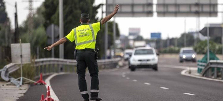 Dgt Normativa Objetos Llevar Obligatorio Multa Guardia Civil Trafico