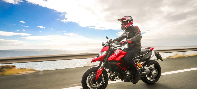 Ducati Hypermotard 950 Action 00 Uc70359 Mid