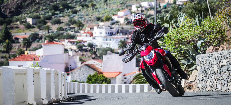 Ducati Hypermotard 950 Action 11 Uc70351 Mid