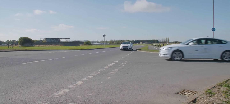 Ford Coches Autonomos Conectados Sin Semaforos Video