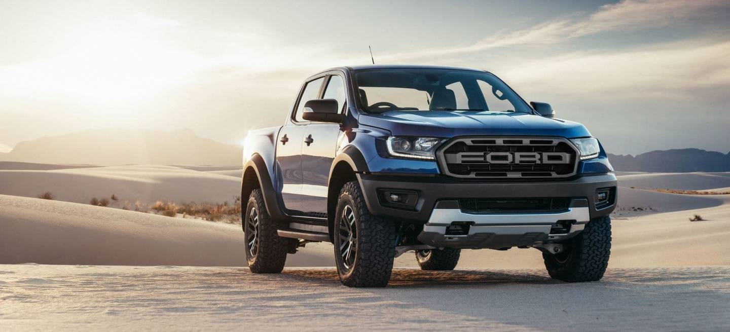 bestial la nueva ford ranger raptor ya est aqu y es b sicamente una ford f 150 raptor en. Black Bedroom Furniture Sets. Home Design Ideas
