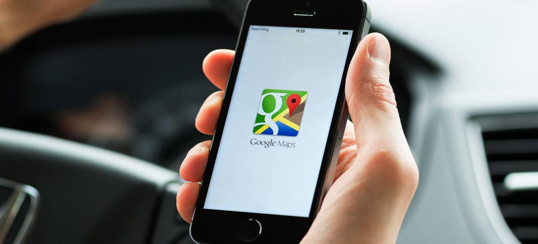 Google Maps Car Smartphone 0618 01