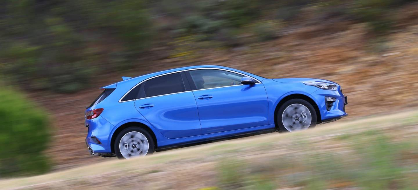 Kia Ceed 1 6 Crdi 6mt Transmission 136hp Blue Flame 16