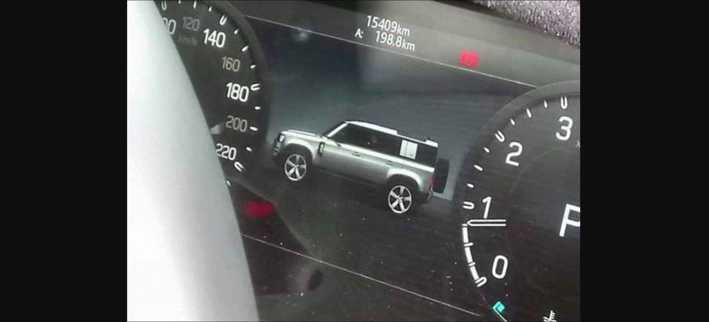 Land Rover Defender Foto Filtrada Instrumentacion