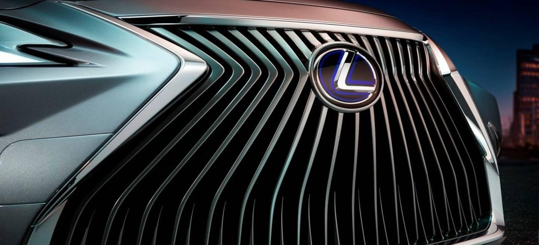 Lexus Es Adelanto