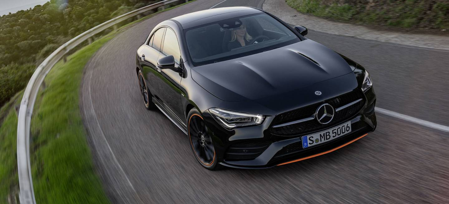 Mercedes Cla Coupe 2018 Negro Exterior Frontal Movimiento