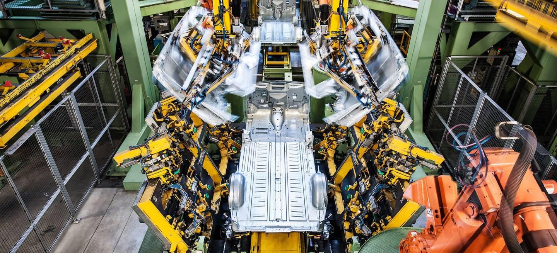 Mercedes Crisis Diesel Paros Fabrica Vitoria 03