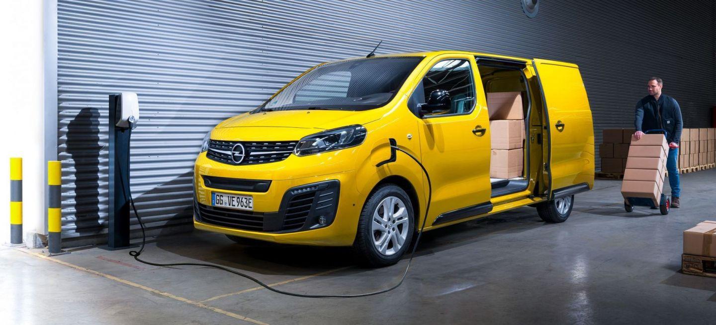 2021 Opel Vivaro Wallpaper