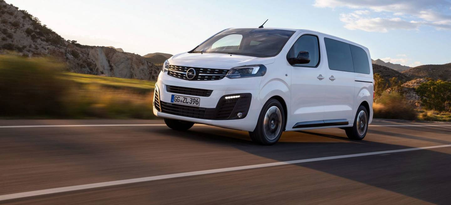 Opel Zafira Life 2019 Frontal Movimiento