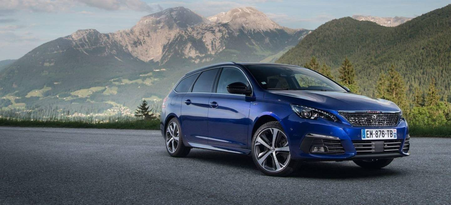 el peugeot 308 gt estrena motor 1 6 puretech de 225 cv centrando sus miras en el volkswagen. Black Bedroom Furniture Sets. Home Design Ideas