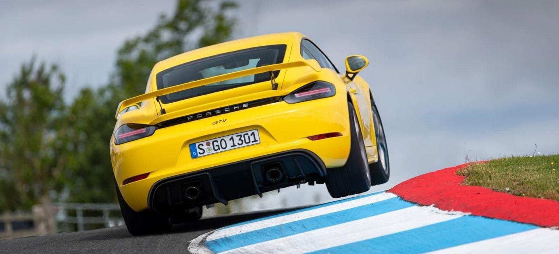 Porsche 718 Cayman Gt4 0719 134