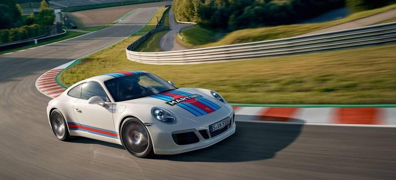 Porsche 911 Martini 003