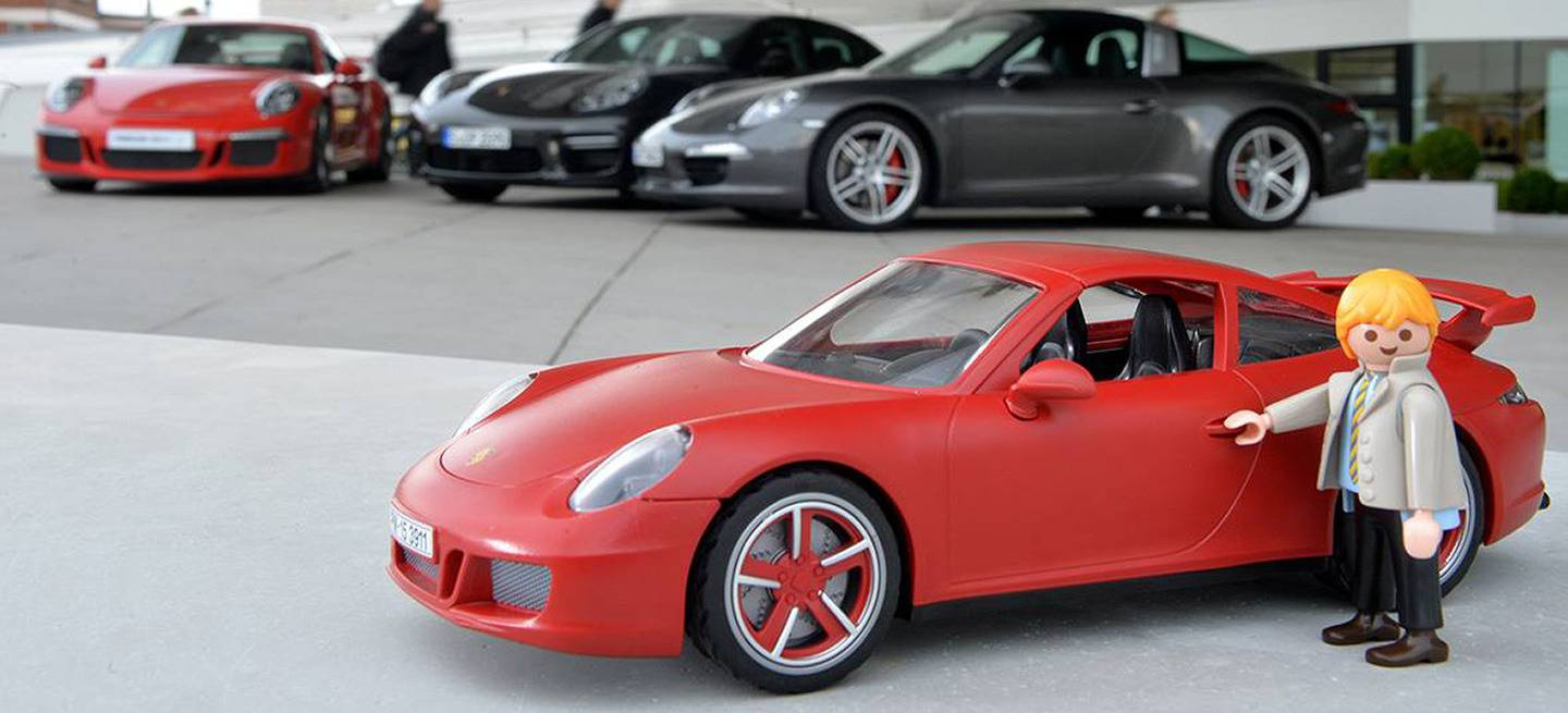 pap playmobil est feliz estrena un porsche 911 diariomotor. Black Bedroom Furniture Sets. Home Design Ideas