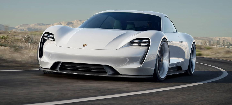 Porsche Taycan Adelanto 001