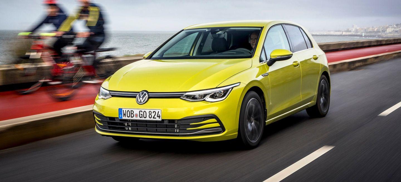 Precio Volkswagen Golf 2020 Amarillo Exterior Movimiento 02