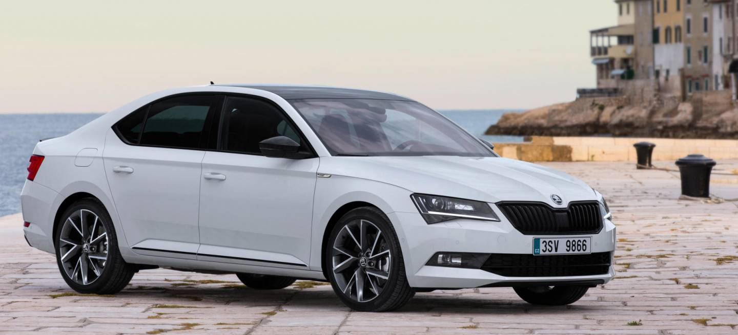 confirmado en 2019 veremos al primer h brido de skoda un skoda superb plug in que te. Black Bedroom Furniture Sets. Home Design Ideas