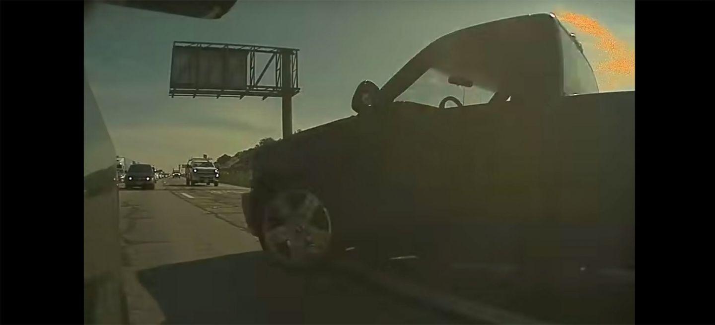 Tesla Autopilot Evita Accidente Trafico Maniobra Esquiva Video