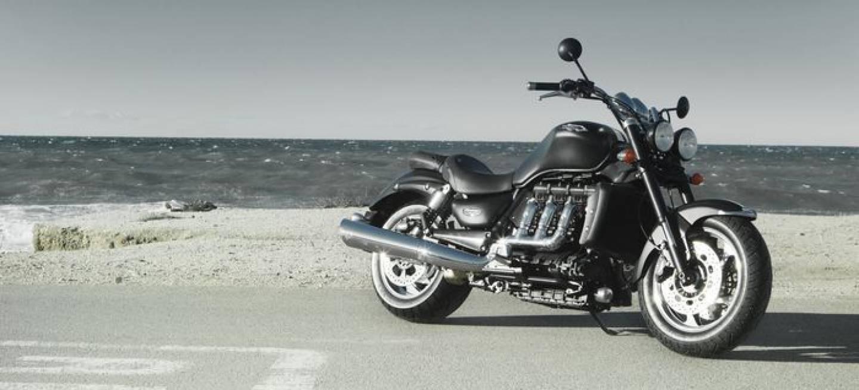 triumph rocket iii roadster la moto con m s cilindrada del mercado se renueva diariomotor. Black Bedroom Furniture Sets. Home Design Ideas
