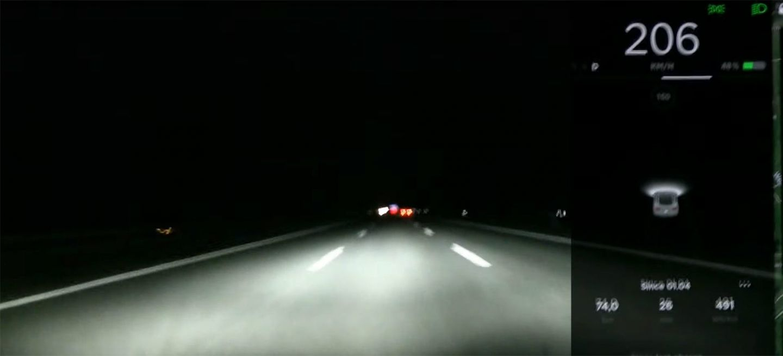 Video Tesla Model 3 200 Kmh