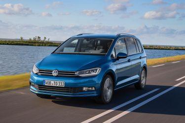 Volkswagen_Touran_1600x900_00011