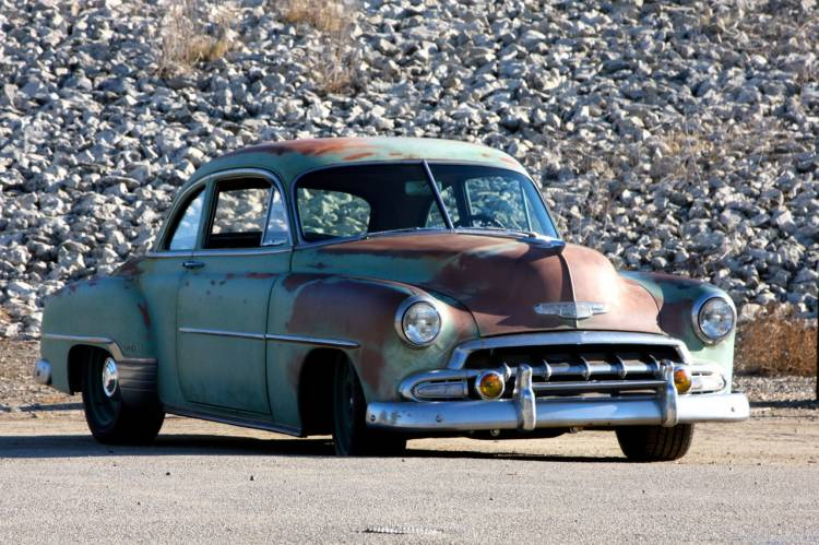 01-icon-derelict-1952-chevrolet-business-coupe