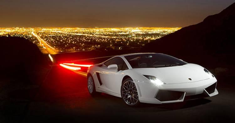 Audi R8 vs Lamborghini Gallardo