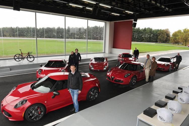 5 Alfa Romeo 4C ya están en manos de sus propietarios