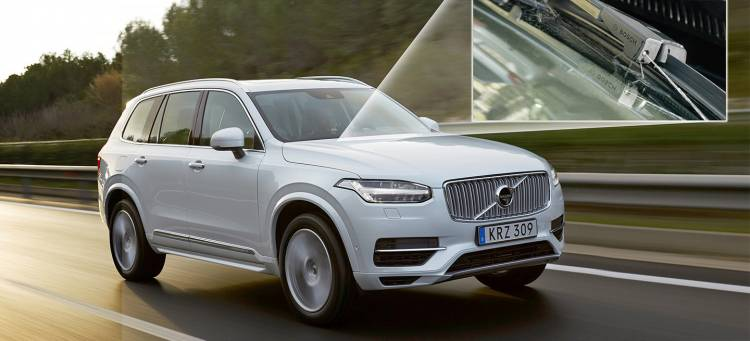157806_The_new_Volvo_XC90_T8_Twin_Engine_petrol_plug_in_hybrid_driven_in_Tarragona-1440px