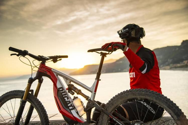 1638054 Ducati Mig Rr 02 Uc68713 High