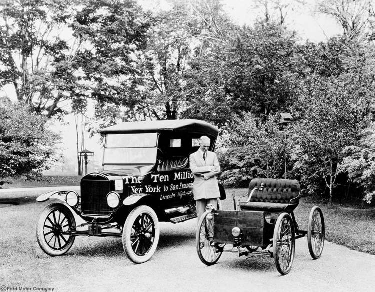 1924_Ford_Model_T_10_millionth_car___Quadricycle