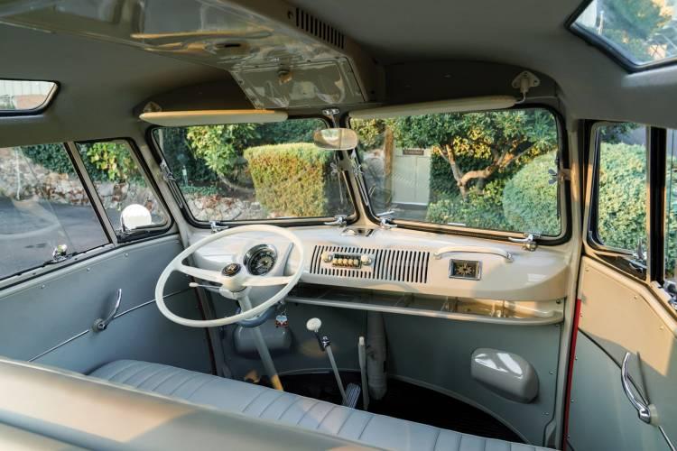 1960 Volkswagen Deluxe Microbus_4