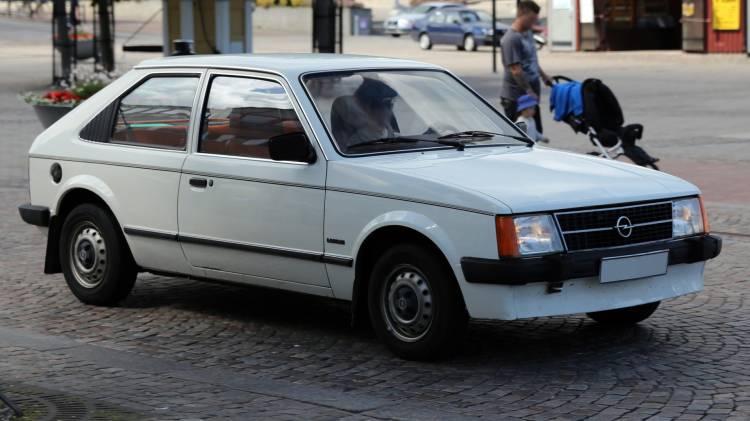 1983-Opel-Kadett-1.3_GL_Luxus_3p