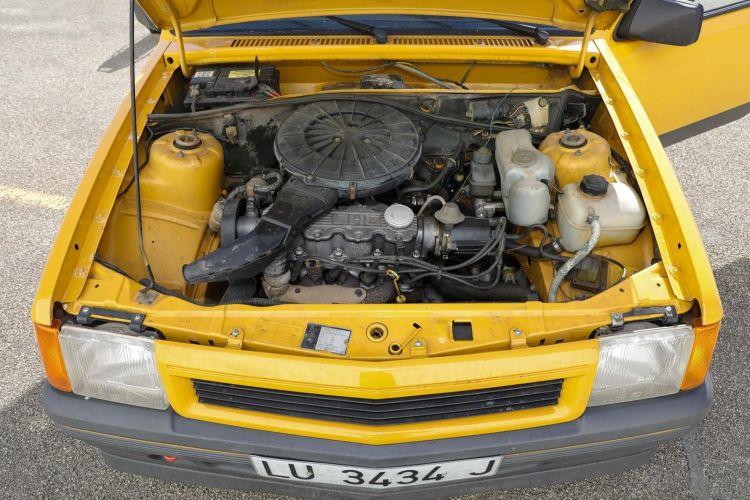 1987 Opel Corsa Gt Motor Viejo 0919 01