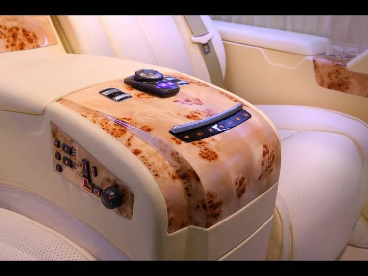 2011-Depp-Auto-Tuning-Chevrolet-Express-Platinum-Controls-1280x960