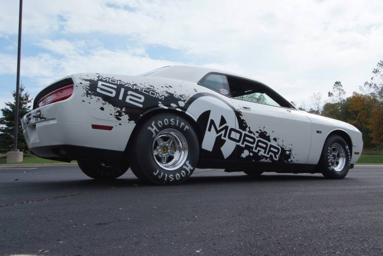 Dodge Challenger Drag Pak, diez cilindros y dos marchas