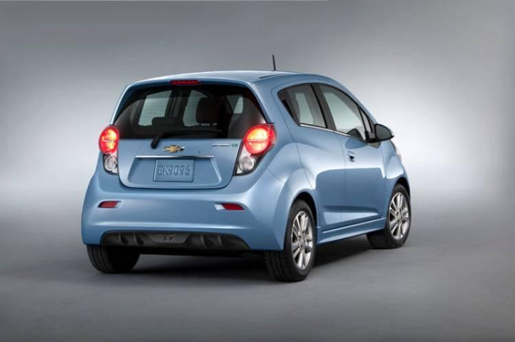 2014-Chevrolet-SparkEV-007-medium