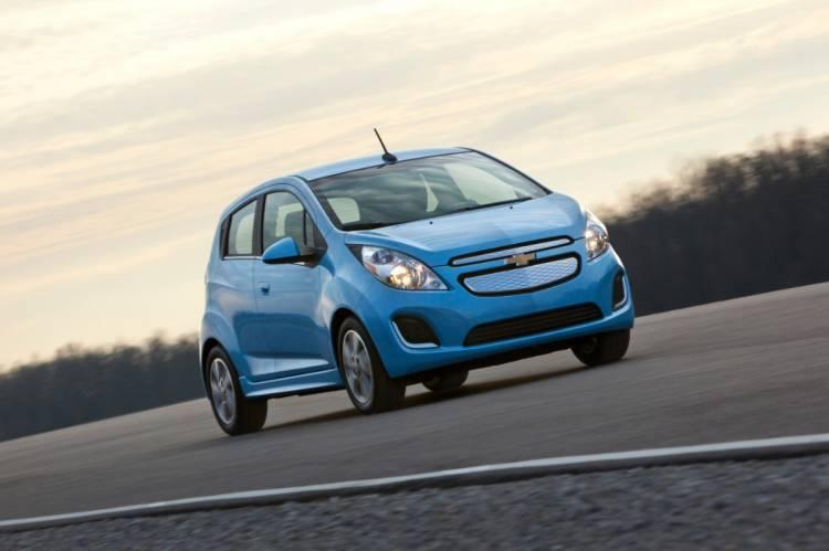 2014-Chevrolet-SparkEV-022-medium