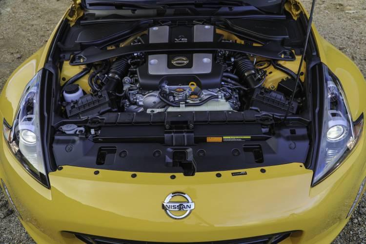 2018_Nissan_370Z_Heritage_Edition_photo_29