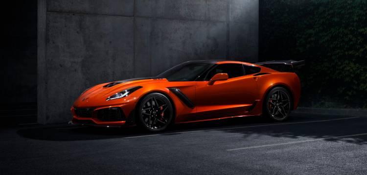 2019-Chevrolet-Corvette-ZR1-002