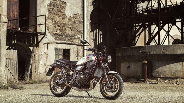 2019 Yamaha Xs700scr Eu Tech Black Static 001 03