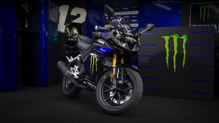 2019 Yamaha Yzf R125sv Eu Midnight Black Static 004 03