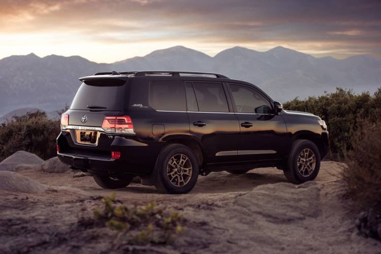 2020 Land Cruiser Heritage Edition 03