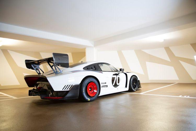 2020 Porsche 935 Martini 34