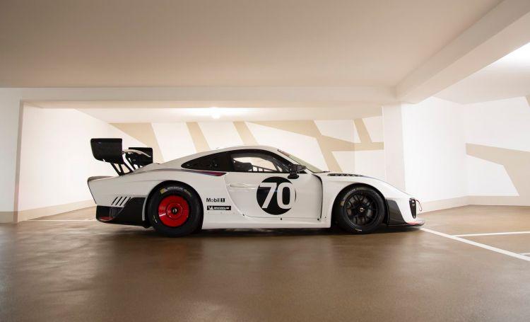 2020 Porsche 935 Martini 3