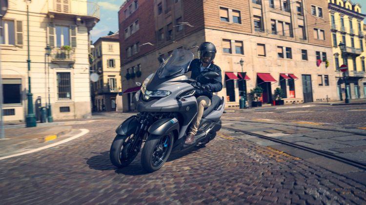 2020 Yamaha Mw300 Eu Icon Grey Action 007 03
