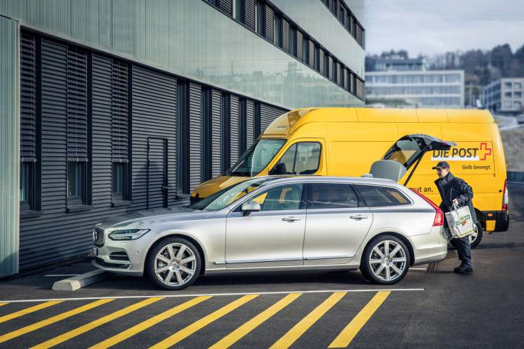 204821_Volvo_In_car_Delivery_a_Volvo_Cars_innovation