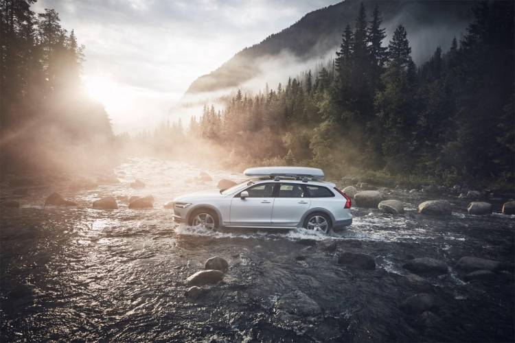215852_Volvo_V90_Cross_Country_Volvo_Ocean_Race_exterior_on_location
